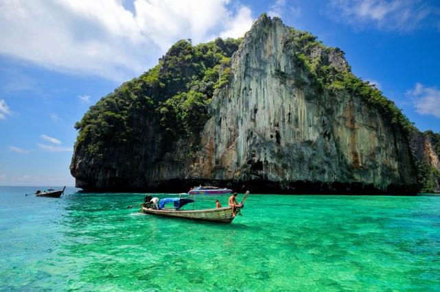 Phi Phi Island di Thailand (sumber)
