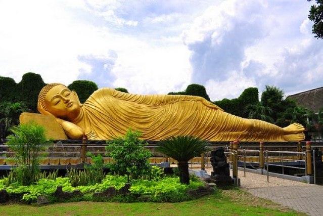 Sleeping Buddha di Trowulan, Mojokerto (sumber)