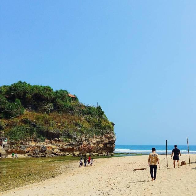 Yakin nggak mau liburan ke Pantai Drini.