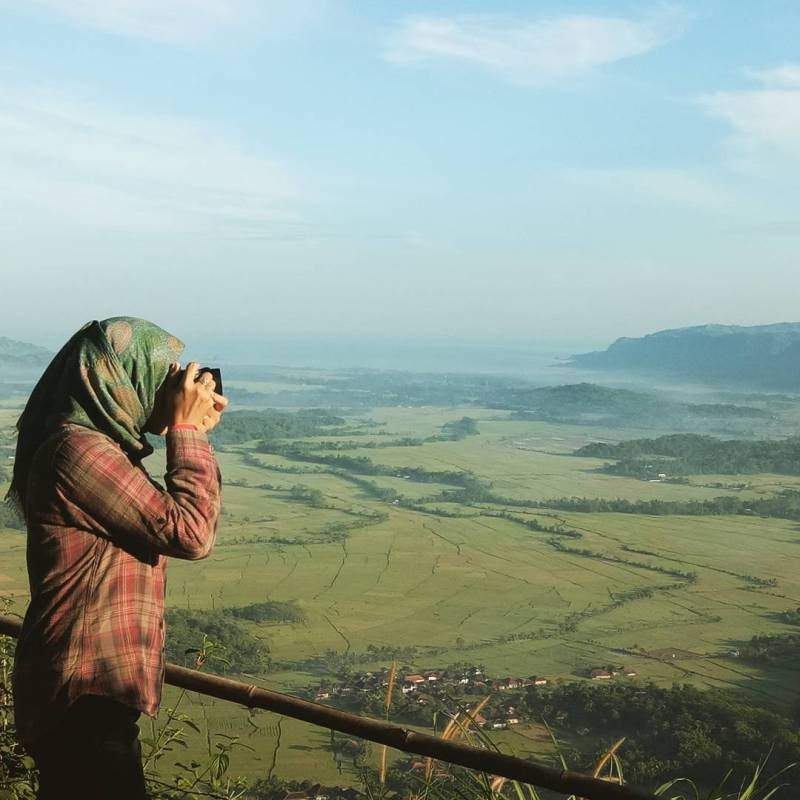 Bukit Panenjoan Ciletuh Sukabumi by IG @boenboen99