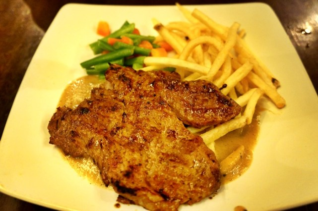 Salah satu menu Tenderloin Steak di Karnivor