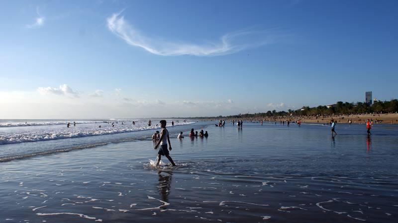 Joging di Pantai Kuta