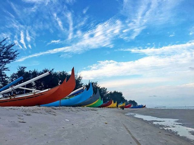 This colorful boat is one of the characteristics of Serdang Beach in East Belitung