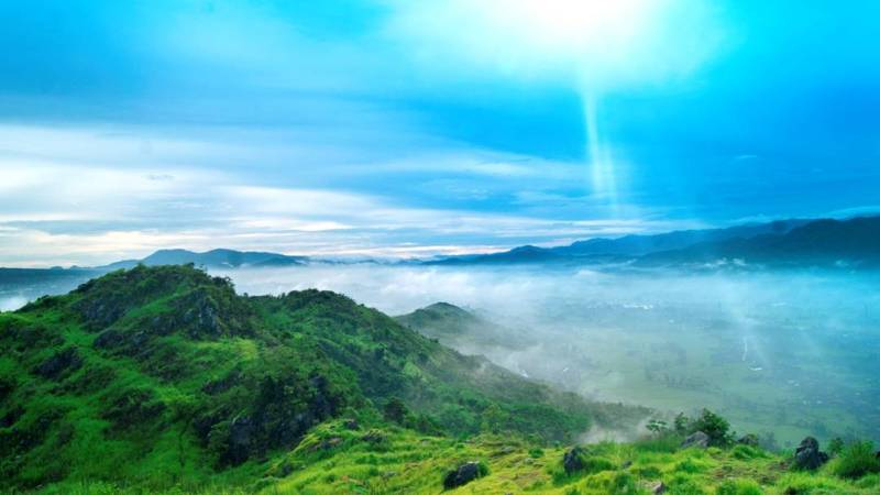 Menikmati Matahari Pagi Sukabumi Dari Bukit Karang Numpang