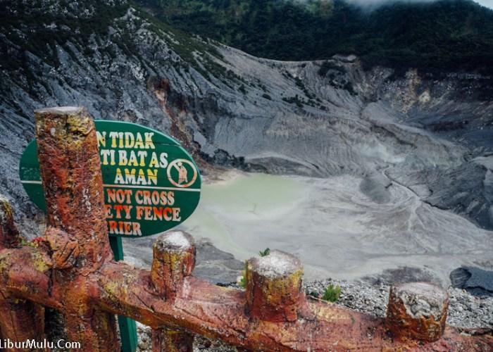 Tangkuban Perahu, Wisata Di Bandung Paling Favorit!