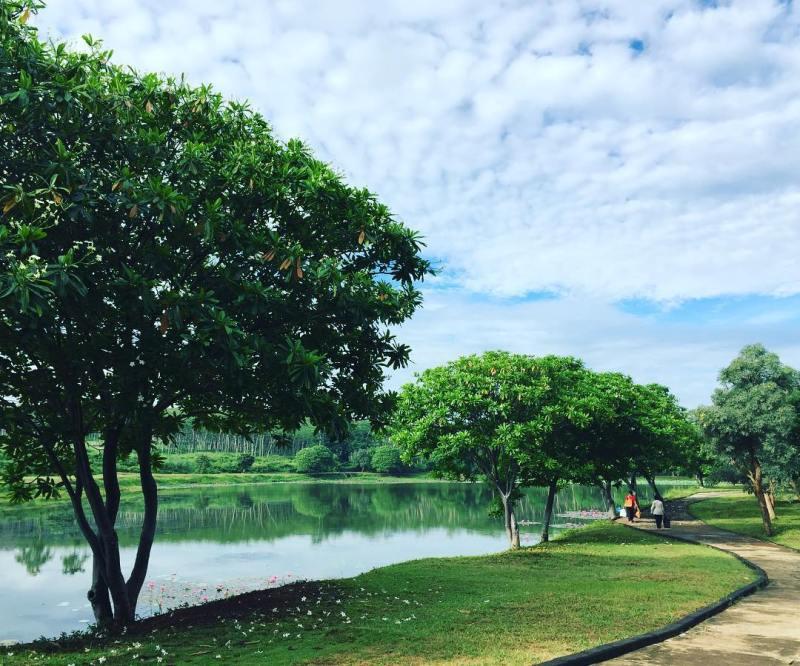 Danau Bukit Semarang Baru by @nurina.rina