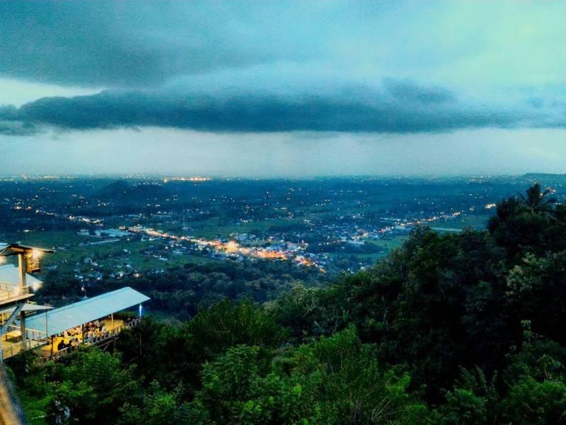 Bukit Bintang Yogyakarta yang aduhai indahnya