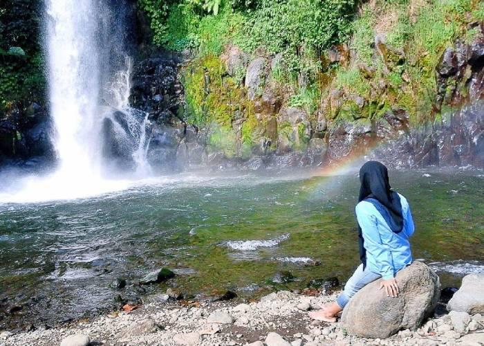 Jangan lupa untuk berfoto di Air Terjun Coban Jahe Malang via @ngatiem258