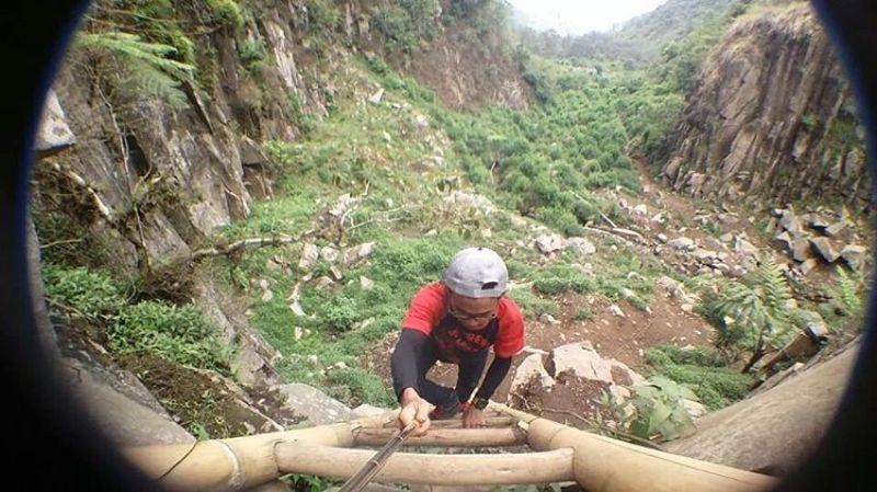 Menuju air terjun keren di Malang ini memang perlu sedikit perjuangan via IG @mariyantoaza