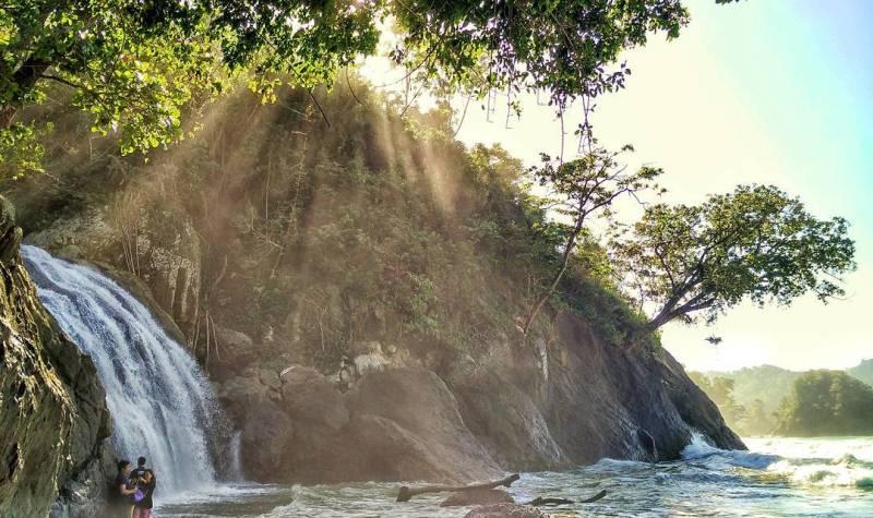 Banyu Waterfall Anjlok, one of the waterfall tour in Malang that kece storm! via IG @safri_budianto