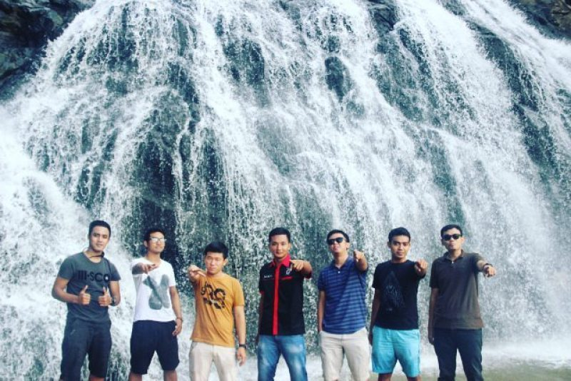 Let me get exciting, preferably to Waterfall and Banyu Beach Drop with my friends via IG @hakiki_takbirotul