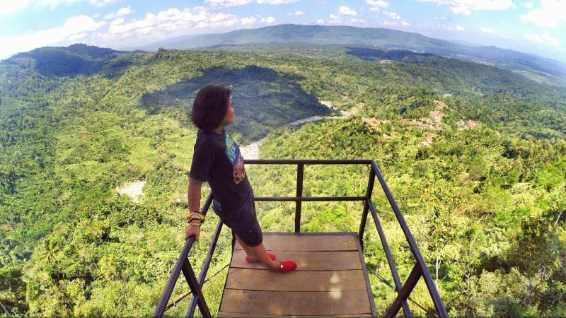 Pemandangan di Bukit Asmara Situk di Banjarnegara ini keren juga yak via IG @ipongdjembe