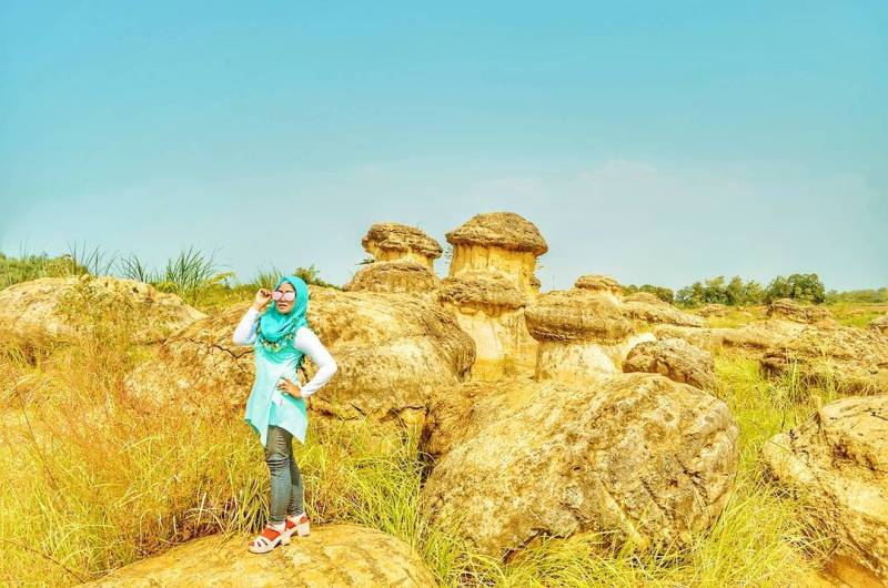 Bukit Jamur Gresik, Sisa Pertambangan Kapur Yang Bisa Menghibur by IG @gita_trinovanda_yulistya