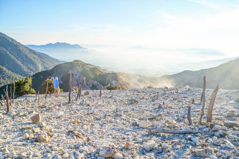 Gunung Papandayan cocok untuk pendaki pemula