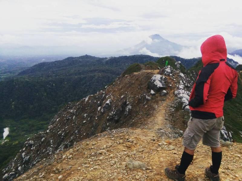 Gunung Sibayak Dengan Ketinggian 2.212 mdpl by IG @jacksibarani29