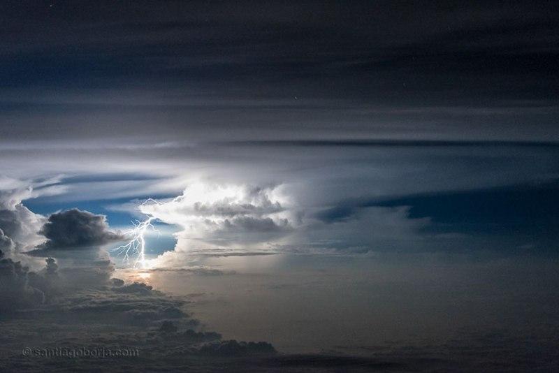 Foto foto awan badai kadang memang begitu mengagumkan, seperti yang ini nih!