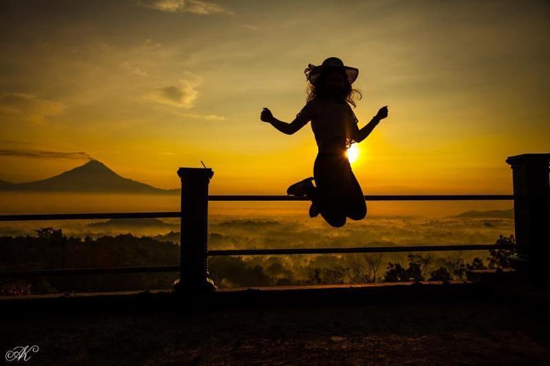 Sunrise syahdu dari Punthuk Setumbu Magelang by IG @akphotoworks