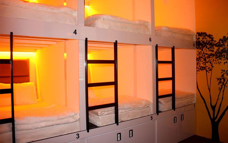 Kapsul tidur di hostel ini didesain untuk kenyamanan tamunya
