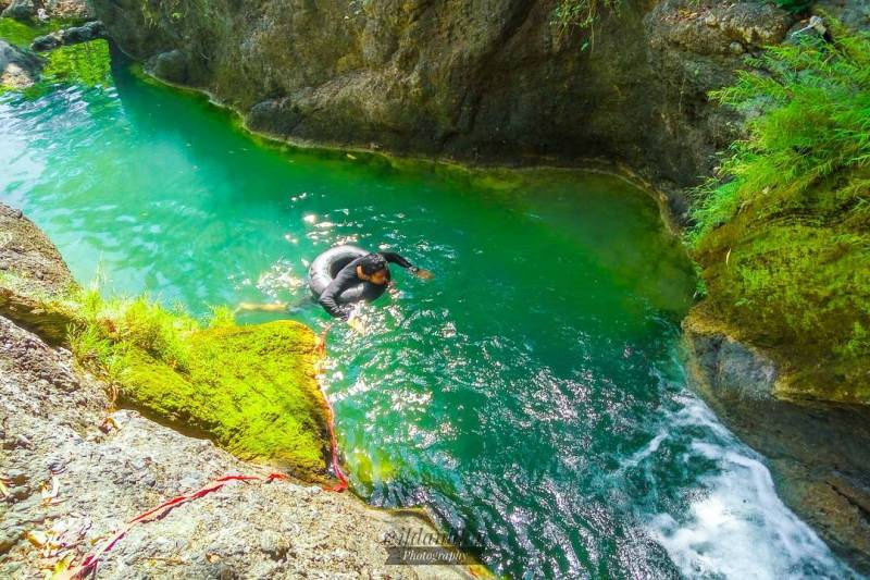 This is one of the coolest natural swimming spots in Tulungagung for swimming! by @wildanhkm