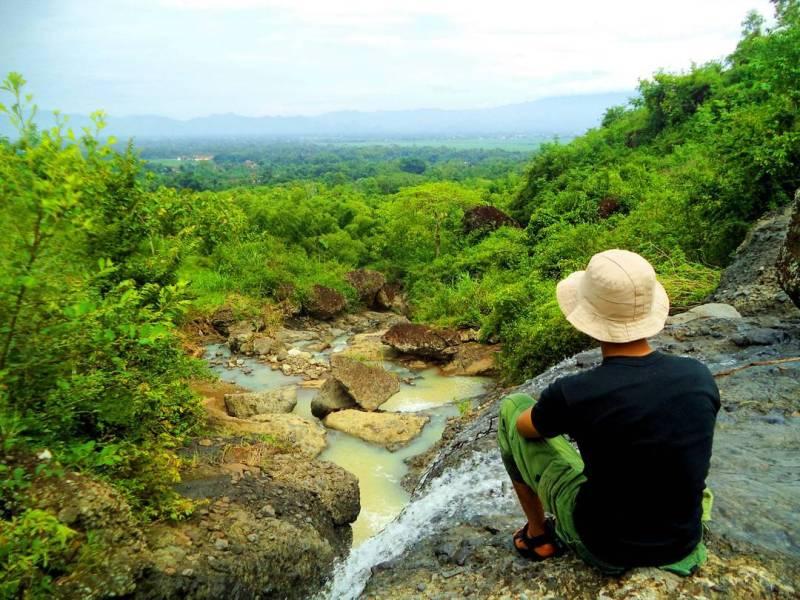 Suasana segar dan pepohonan hijau mengelilingi tempat wisata ini by @hamba_alloh1