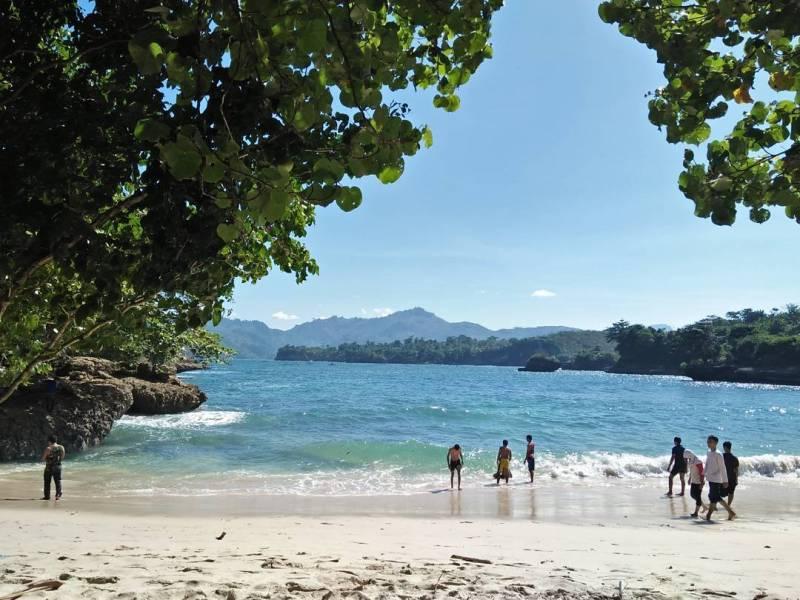 Pantai Coro ini terletak di Dusun Gerbo, Kecamatan Besuki, Tulungagung by @ac_rifai