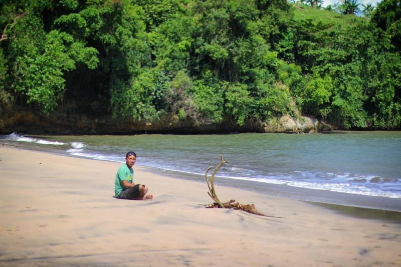 Pantai Gerangan ini adalah salah satu pantai di Tulungagung yang bisa kalian kunjungi ketika liburan tiba by @fathur_r4.jpg