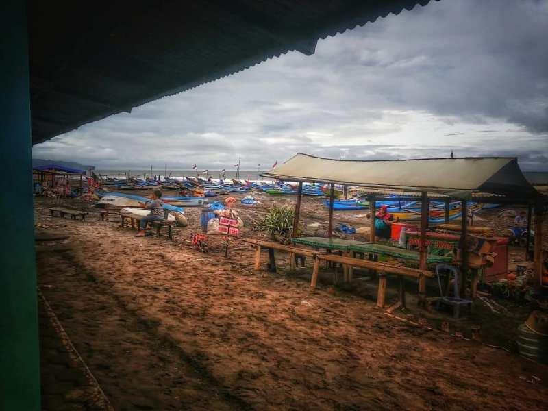 Pantai Depok, pantai yang bagus di Jogja untuk berburu kuliner seafood! via @_dydy1