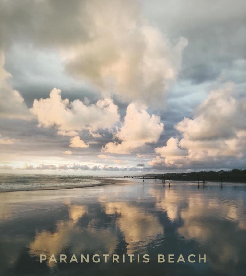 Pantai Parangtritis, pantai terindah di Jogja yang sudah terkenal sejak lama! via @shamfaizz