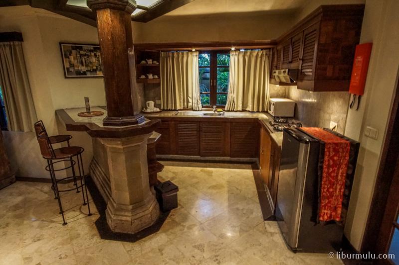 Dapur terdapat di villa terbesar mereka