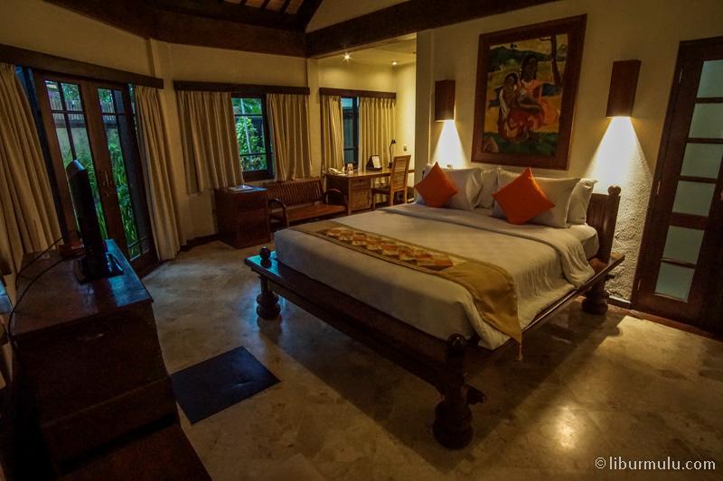 Kamar utama di tipe 3 bedroom villa, besar banget kan
