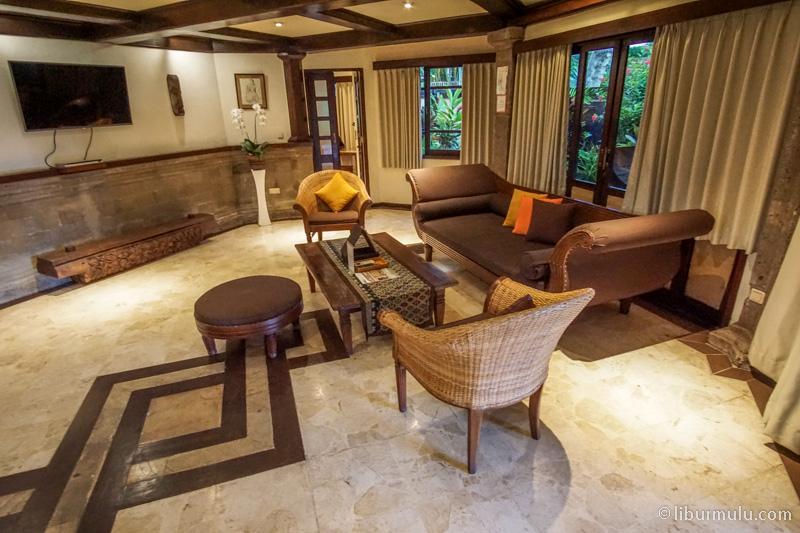 Ruang tamu tipe 3 Bedroom Villa di Hotel Villa Lumbung