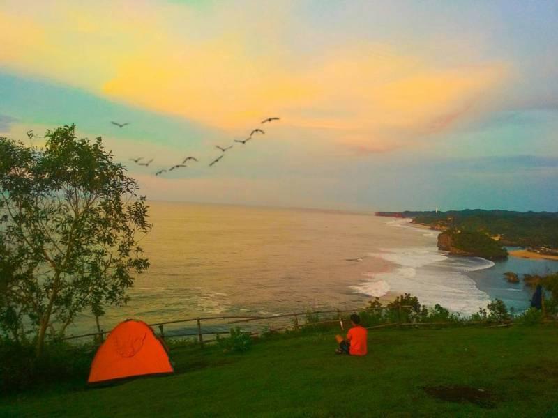 Kamu bisa camping di Bukit Kosakora atau Puncak Kosakora ini ya @dimasrevano.ap