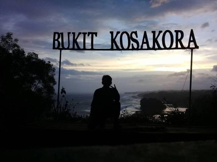Senja dari Bukit Kosakora atau Puncak Kosakora ini memang menawan @rifkindri.10