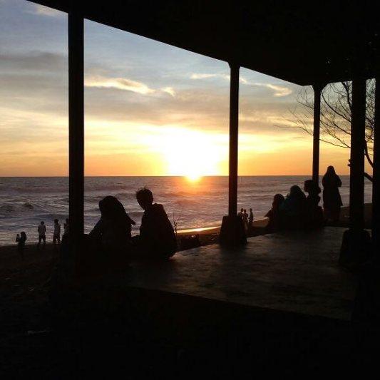 Pantai Pandansari ini cukup populer dikalangan wisatawan lokal. via IG @sudar_wanto
