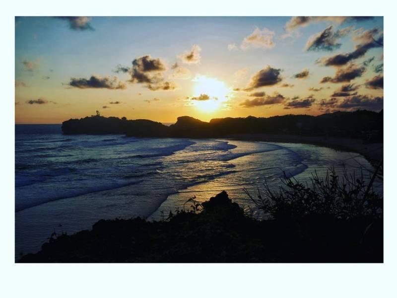 Sunset di Pantai Sadranan juga cantik seperti ini lho! via @zuefachoirunnisa7127