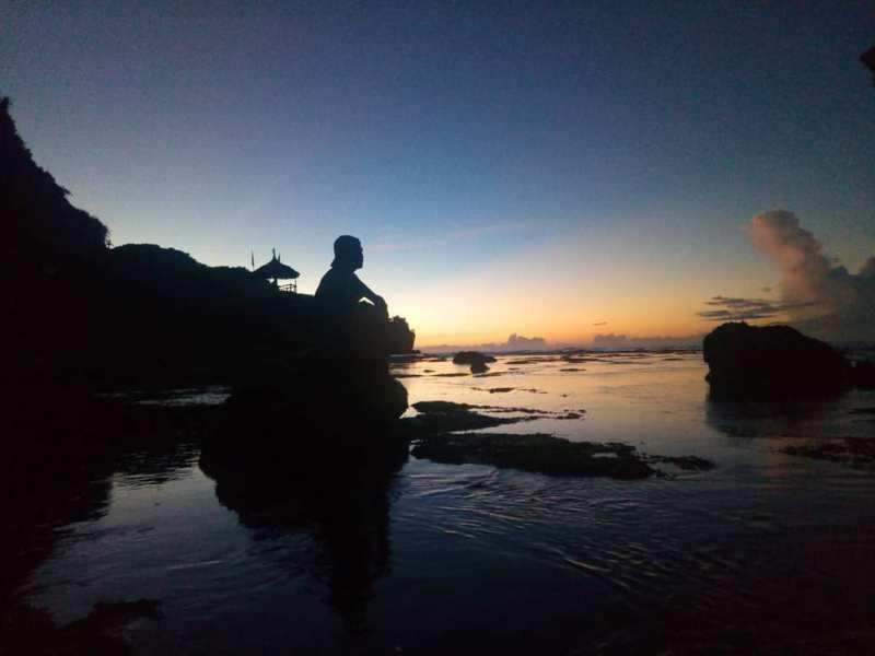 Bisa juga kamu bersantai sambil menikmati senja di Pantai Watulawang Jogja seperti ini. via IG @nugrohosaputro579