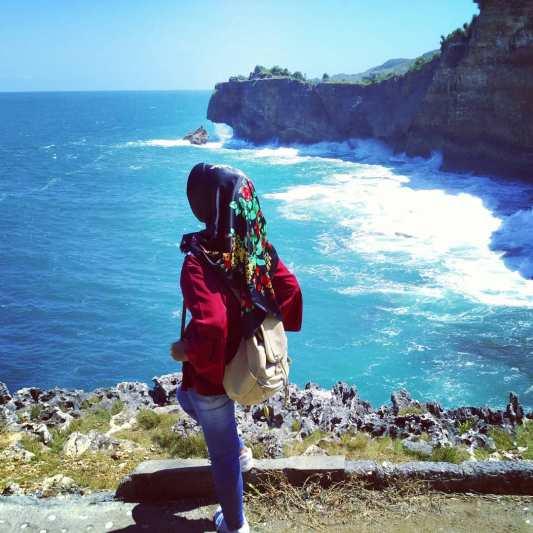 Yakin kamu nggak mau liburan ke salah satu pantai Instagramable di Jogja ini! via @dewul_waeh