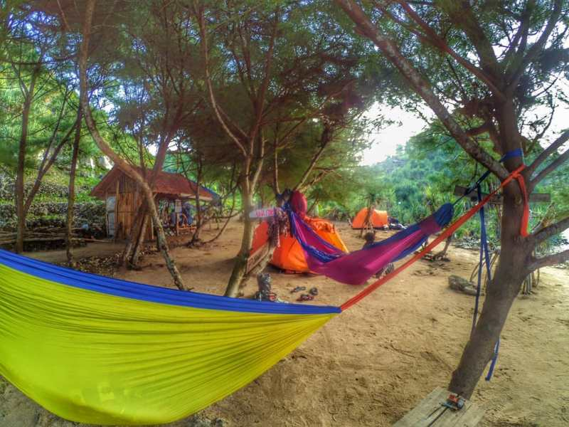 Sanglen Beach for You Who Needs Peace! via @yudadm