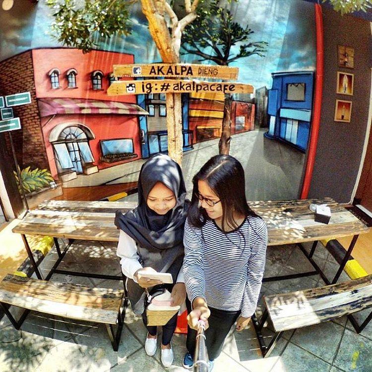 Akalpa Cafe, cafe yang instagramable di Malang via @akalpacafe