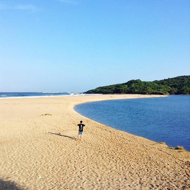 Pantai Ujung Genteng, Sukabumi, Jawa Barat