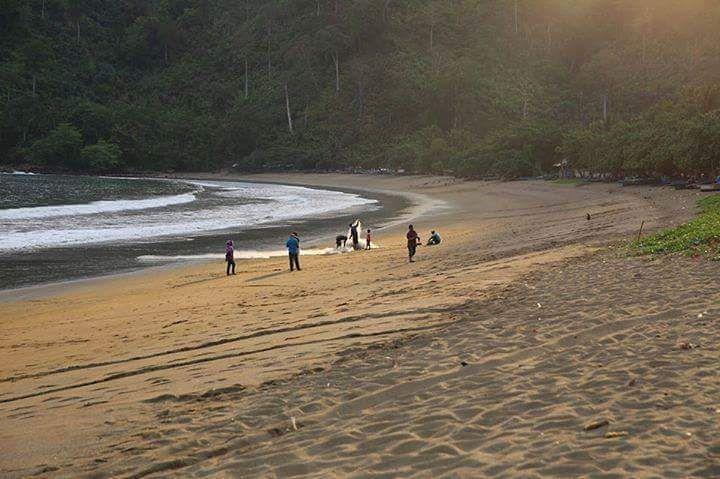 Pantai di Malang yang belum terjamah, Pantai Pakisan.