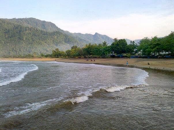 Pantai di Malang yang belum terjamah, Pantai Wedi Awu.