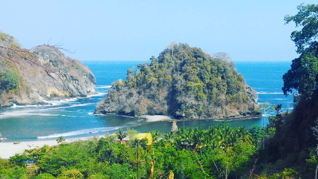Pantai di Malang yang belum terjamah, Pantai Tenger.