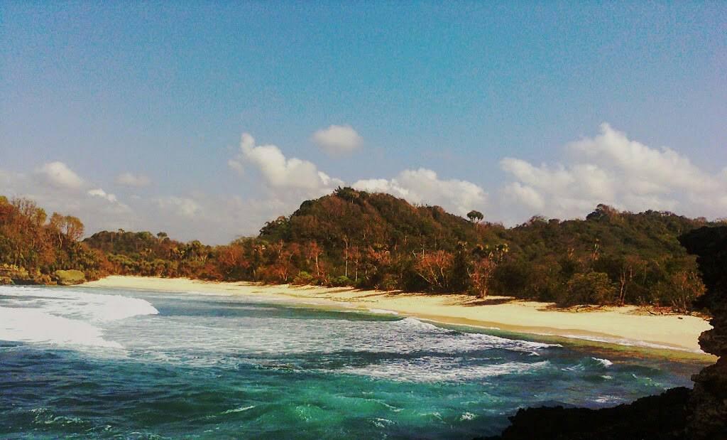 Pantai di Malang yang belum terjamah, Pantai Rowo Gebang.