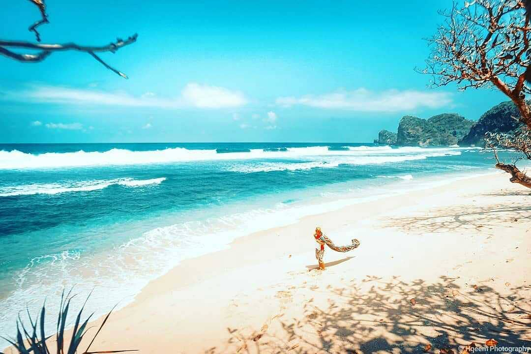 Pantai di Malang yang belum terjamah, Pantai Krambilan.