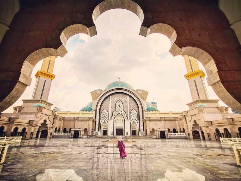 Federal Territory Mosque Malaysia - Kenapa Kamu Harus Pakai Paket Sewa Wifi Malaysia Kalau Liburan Ke Sana!