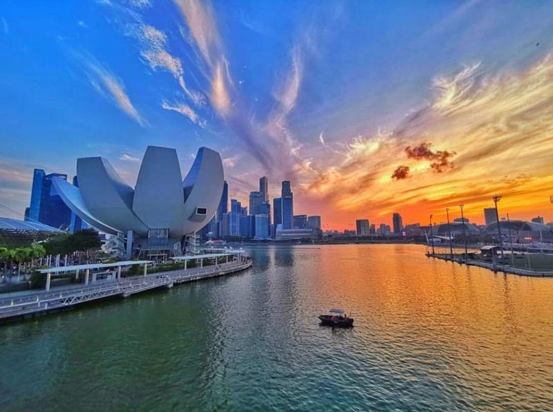 Liburan Ke Singapura, Harus Pakai Paket Sewa Wifi Singapore Gak Sih? Baca Dulu Ini!