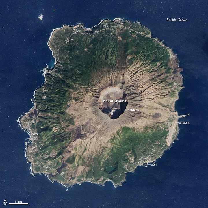 1/3 от остров Мияке все още е със забранен достъп