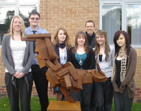 Peter Walker with his sculpture and students Chelsee Vickers, David Roden, Amy Vickers, Amanda Warrington, Katie Thorpe and Laura Roberts