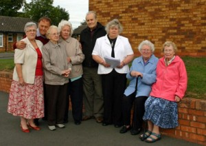 Cllr Diane Evans with local residents